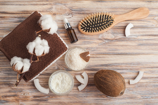 ココナッツを使った自然なヘアトリートメント