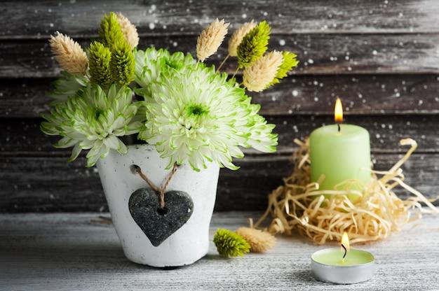 土鍋で緑の菊