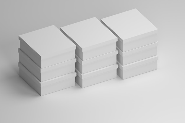 Сложены белые простые коробки.
