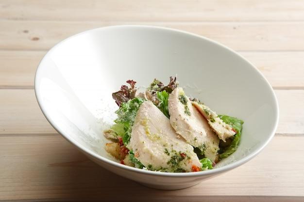 ゆで鶏の春サラダ