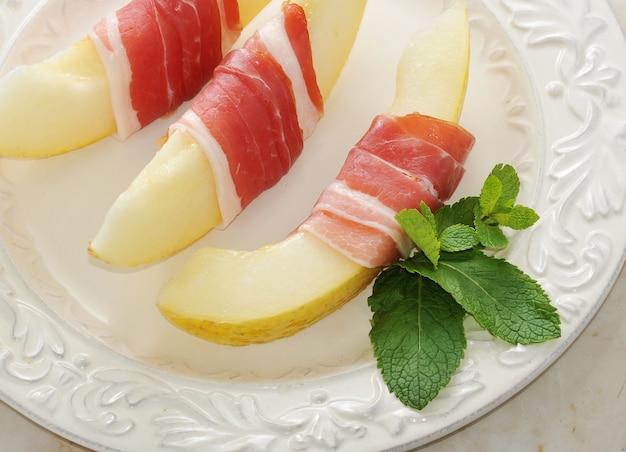 ベコンンドメロン、ハム、スペインの伝統料理