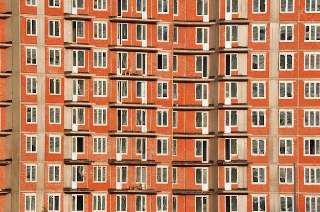 Строительство нового кирпично-монолитного дома в санкт-петербурге, россия
