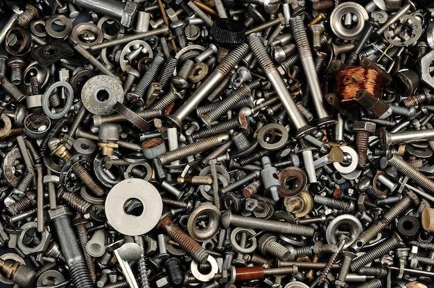 鉄のナット、ボルト、詳細のヒープ