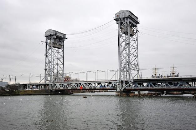 ロシア、カリーニングラードの二段跳ね橋
