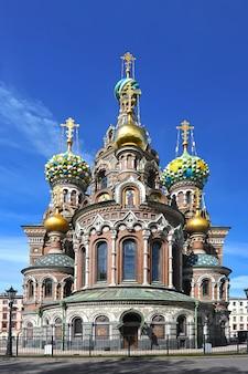 Купола православной церкви спаса-на-крови в санкт-петербурге