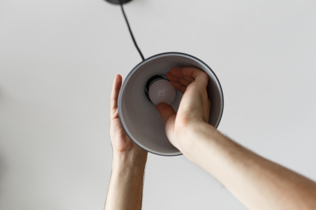 Замена лампы на светодиодную лампу в торшере