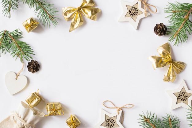 星、枝のモミの木、心とクリスマスの背景