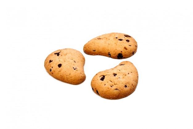 分離されたチョコレート滴とクッキー