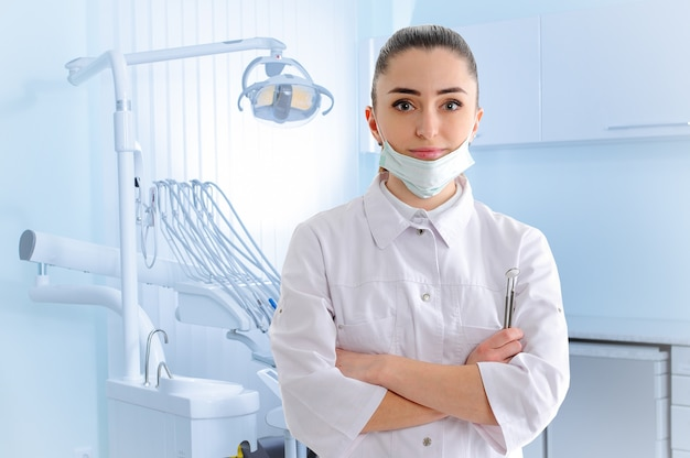 歯科医院での薬剤師の肖像画