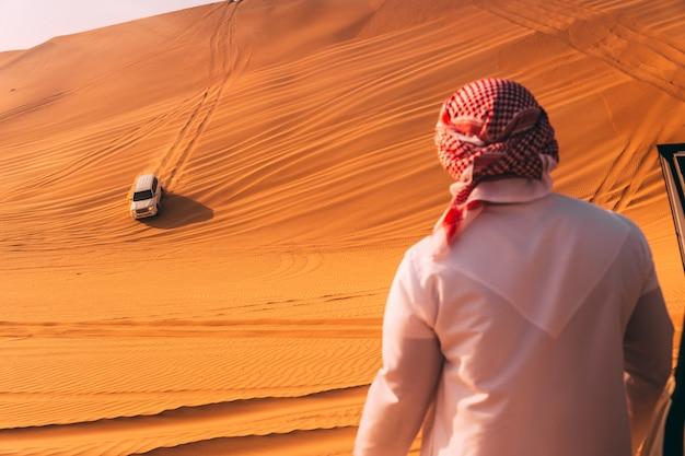 砂漠の砂丘バッシング