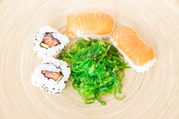 寿司、典型的な日本料理