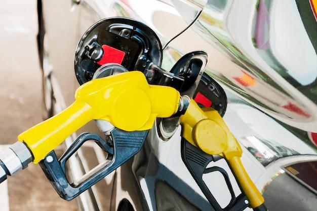 Топливный насос самообслуживания на нефтяной станции