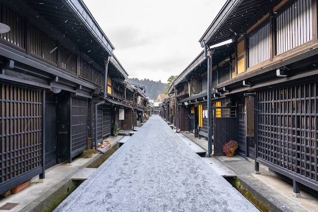 Такаяма древний город в префектуре гифу, япония