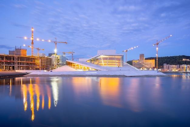 オスロ、ノルウェーの夜オスロオペラハウス