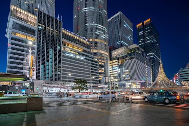 日本の名古屋で夜に名古屋市の中心部