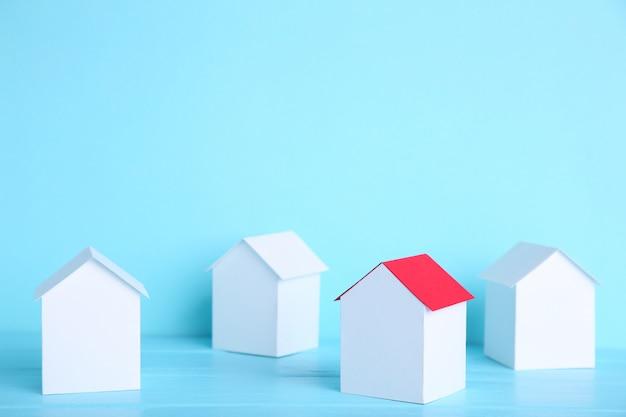 Бумажный городок. дом бумажного и бумажного строительства.