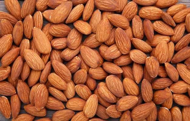 Органические миндальные орехи