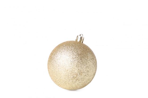 白い背景に分離されたゴールドのクリスマスボール