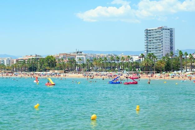 スペイン、サロウのレバントビーチの眺め。