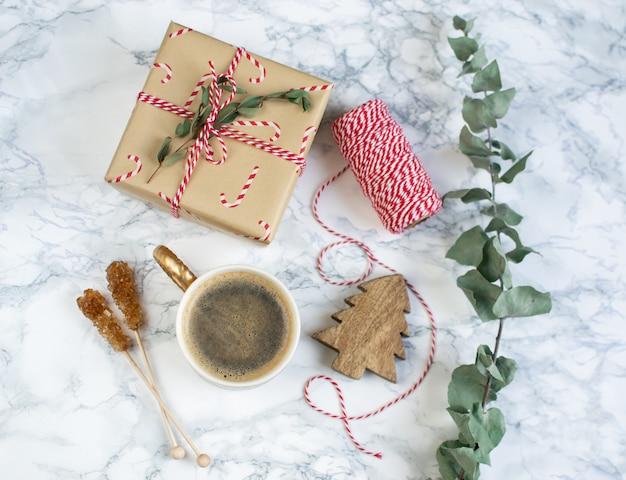クリスマスギフトボックス装飾自然装飾新年パーティーヴィンテージコーヒーホット飲料