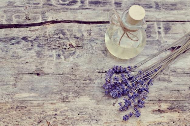 自家製ボディラベンダー塩スクラブ石鹸オイル美容コンセプトの天然成分