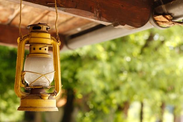 小さなオイルランプのアウトライン
