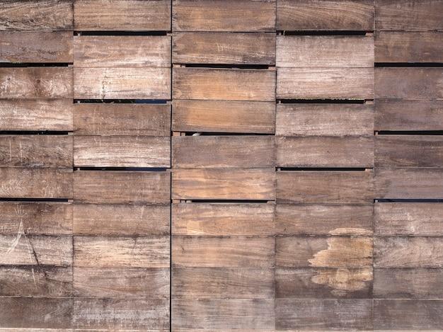 Деревянная стена