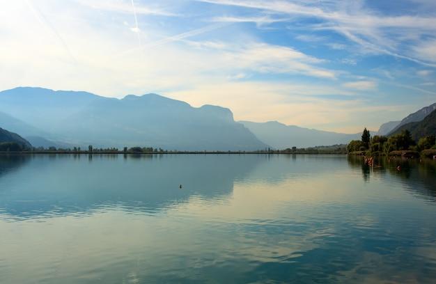 カルダロ湖