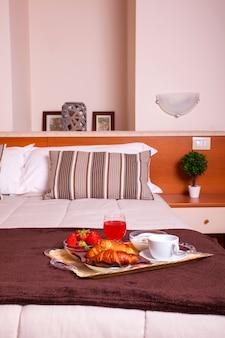 Спальня отеля арес