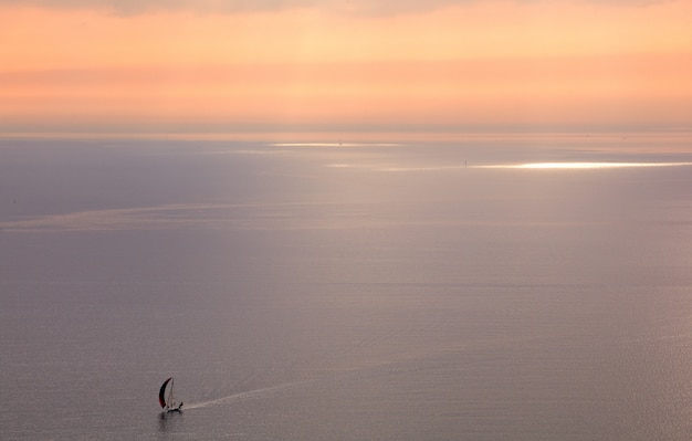海でのヨット