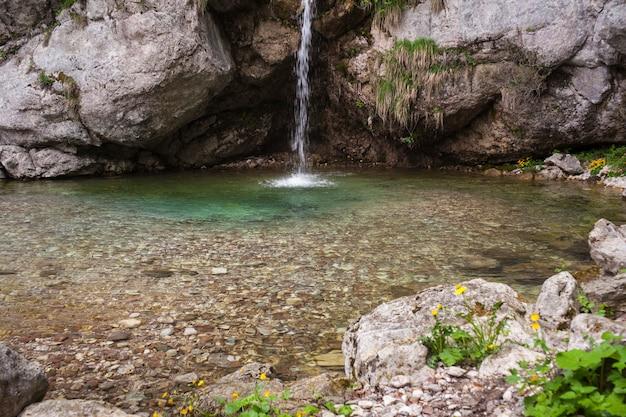 滝、スロベニアのビュー