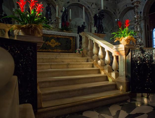 Похоронный памятник святого антония падуанского