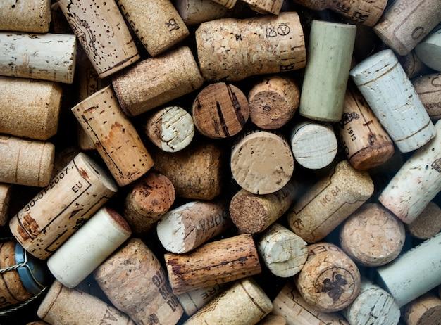 使用済みワインのコルク栓の背景