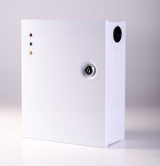 分離された電源ボックス