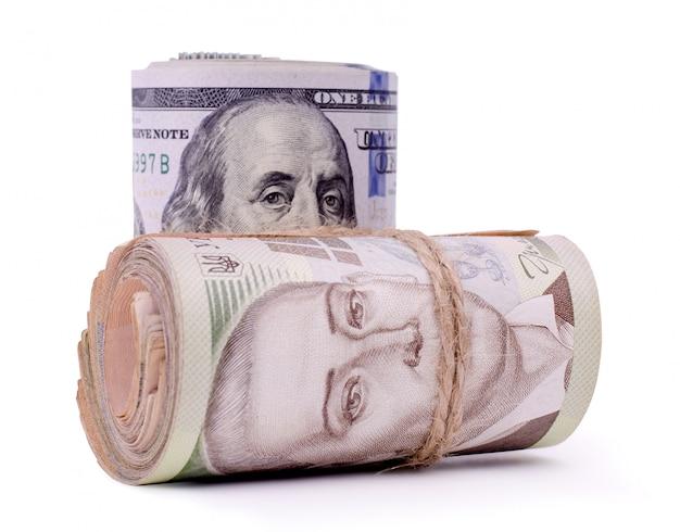 米ドルとウクライナグリブナの紙幣のロール