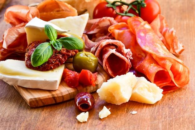 生ハムとチーズのイタリアの前菜