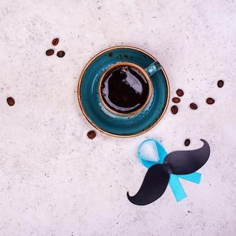口ヒゲ付きコーヒーマグ