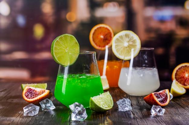 Тропические летние коктейли