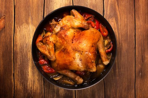 丸ごと焼きチキン、ピリ辛野菜