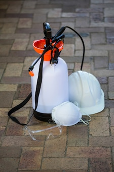 舗装上の殺虫剤噴霧器