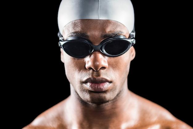 水泳ゴーグルのスイマーの肖像