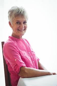 引退した女性の肖像