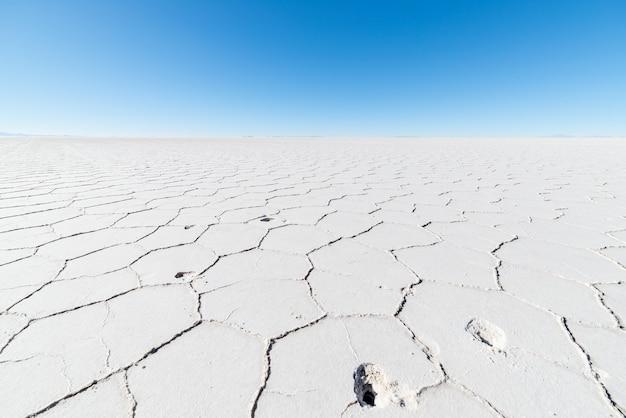 ボリビアのウユニ塩湖の六角形