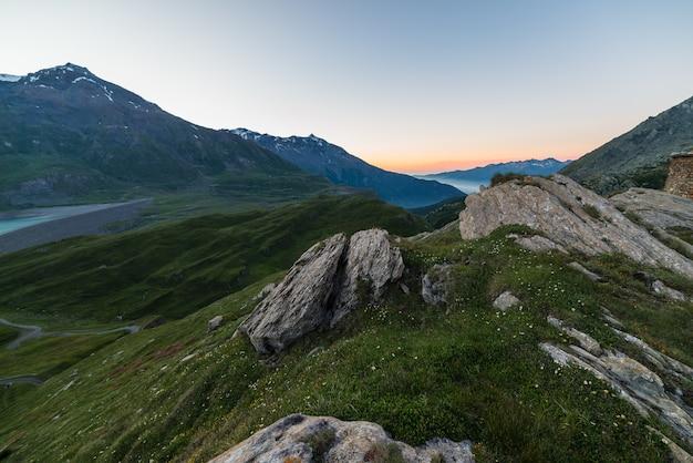 日没のアルプ山