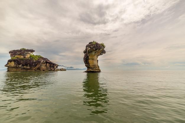 ボルネオ島マレーシアのバコ国立公園の砂岩の頂点