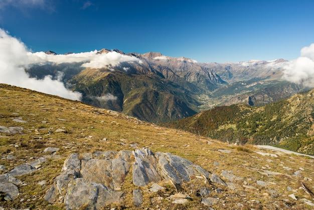 アルプスの山頂の山の景色