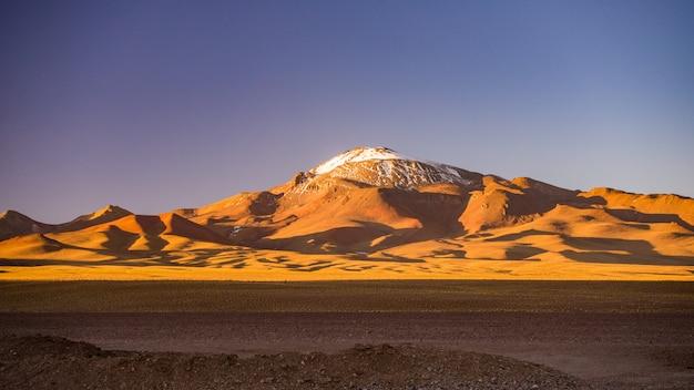 アンデスの高地の不毛の高地