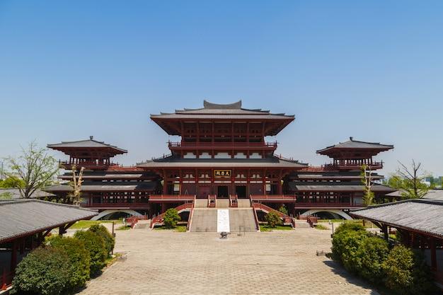 伝統的な中国の塔の眺め