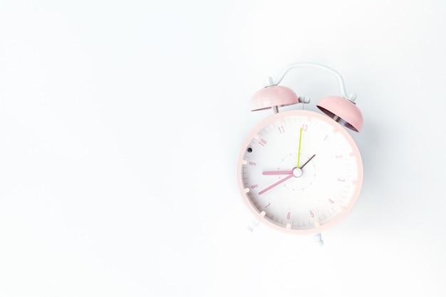 白の目覚まし時計