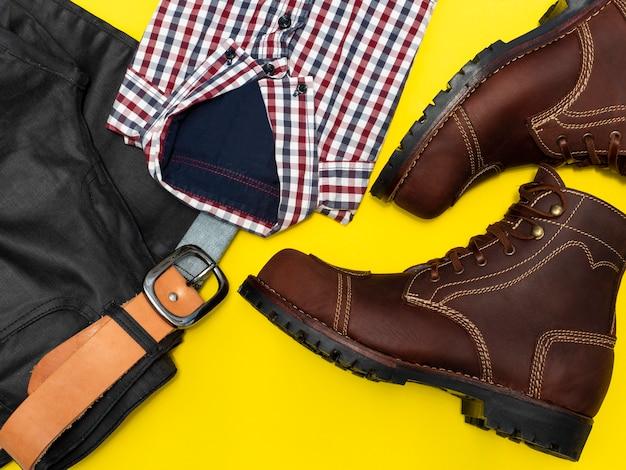 Мужская мода повседневная одежда набор изолированных на желтом